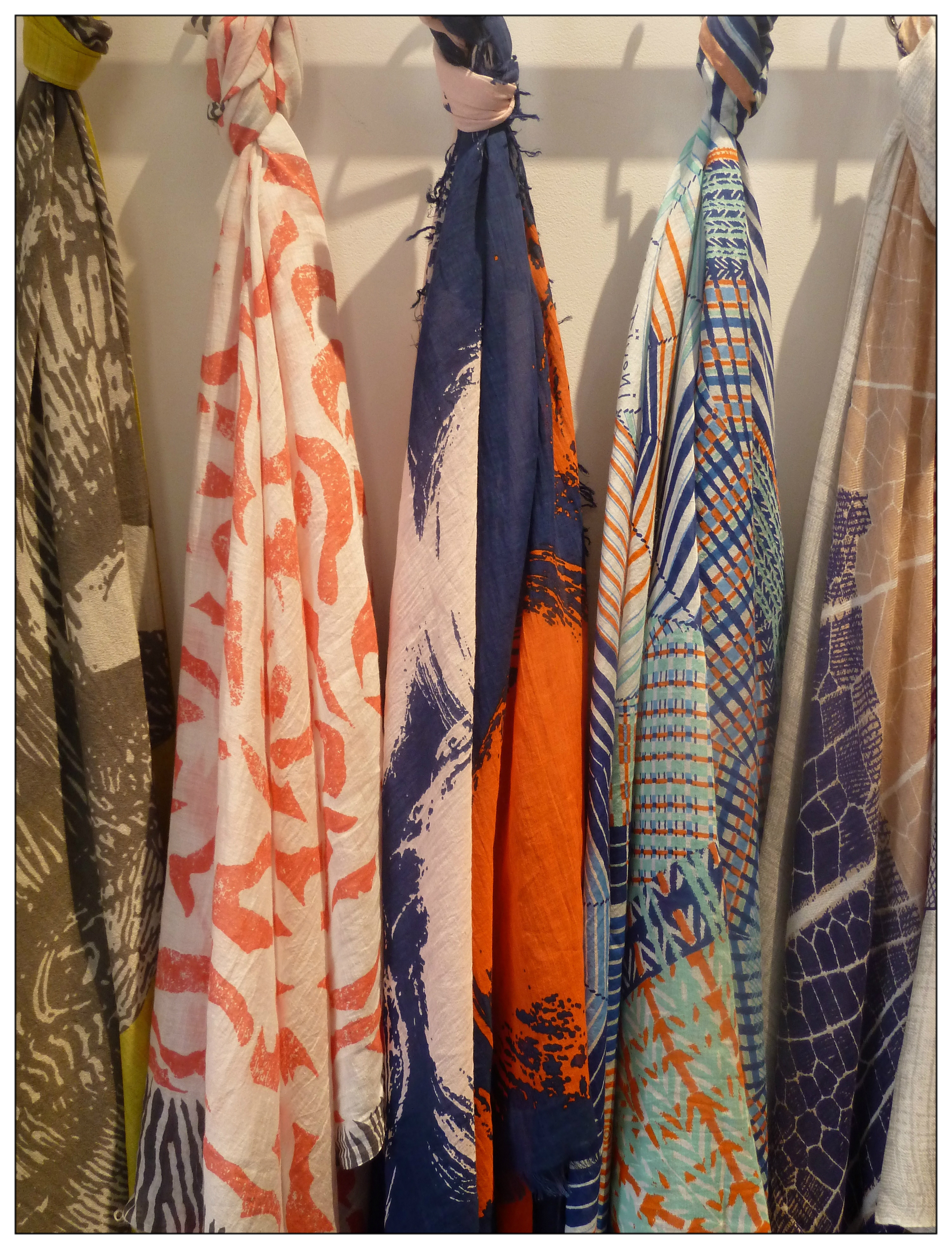inouitoosh scarves ss15
